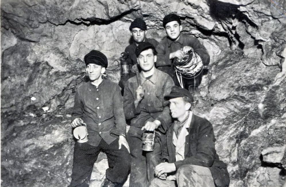 008 Bergleute