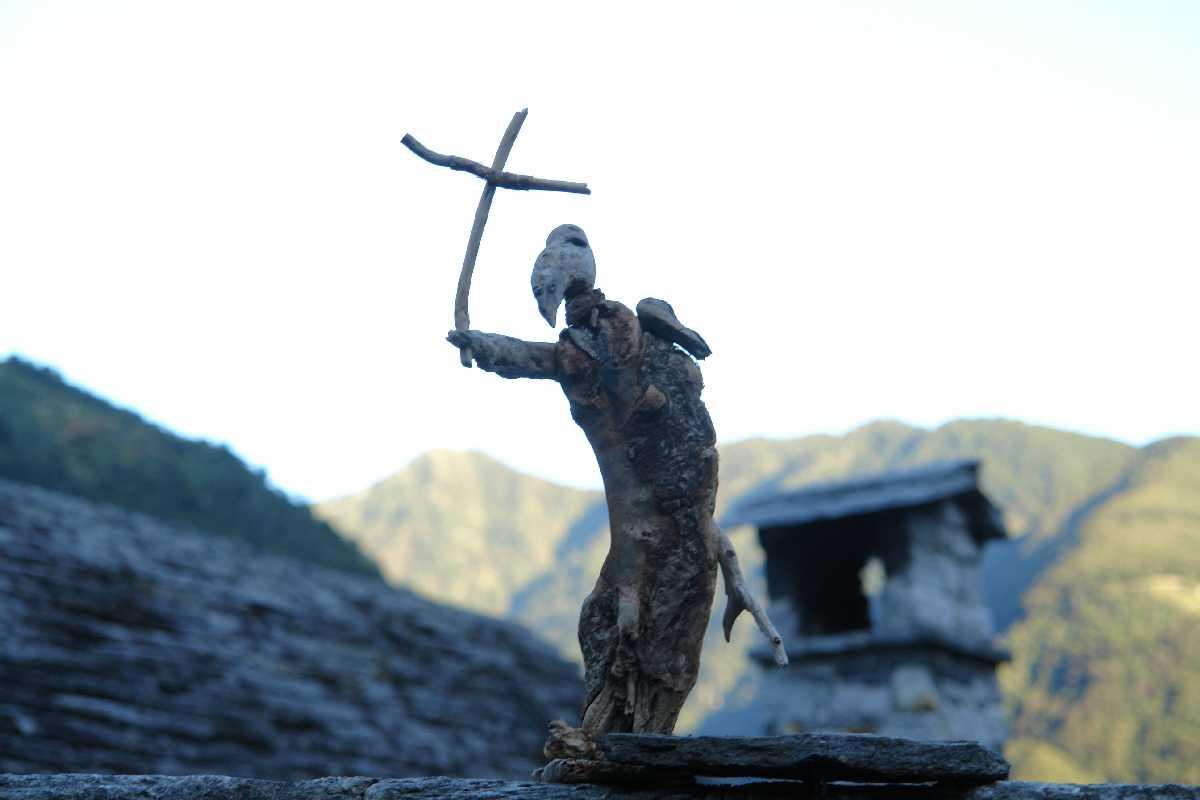 Corippo, Skulpturen aus dem Tal de gruenen Wassers 228