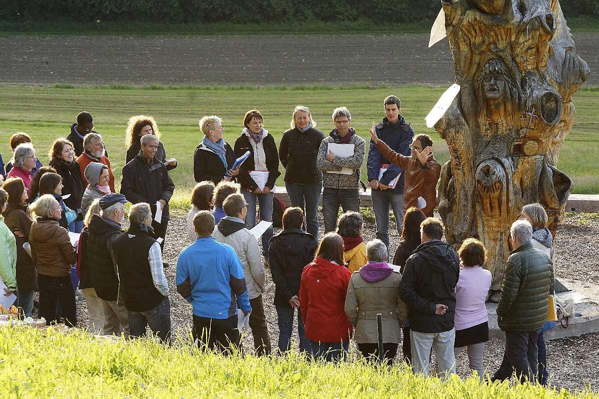 Singen am Baum der Erkenntnis12