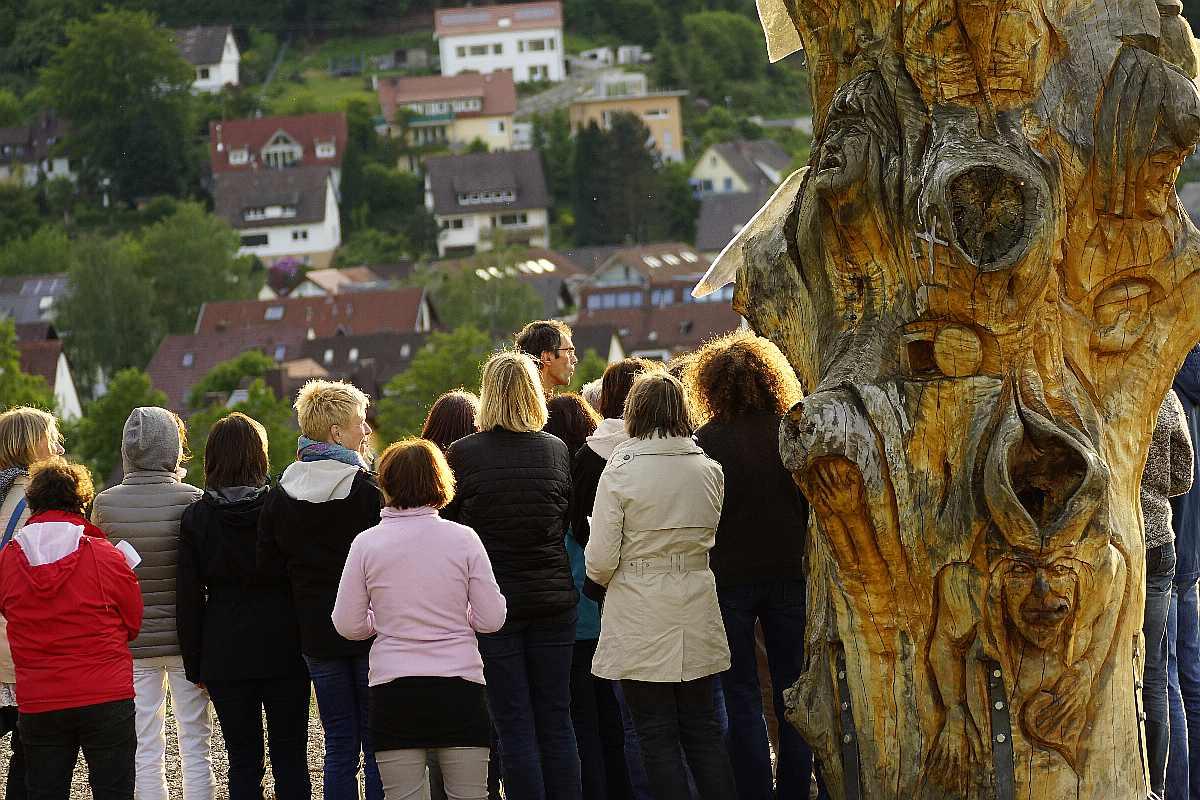 Singen am Baum der Erkenntnis45